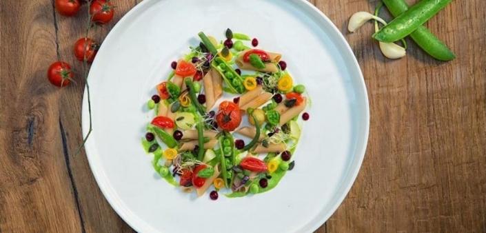 Rezept: Vollkornreis-Penne im herbstlichen Gemüsebeet